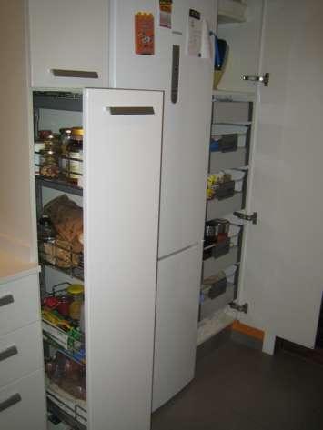 El encanto del naranja una cocina en l y paralela for Manual para muebles de cocina