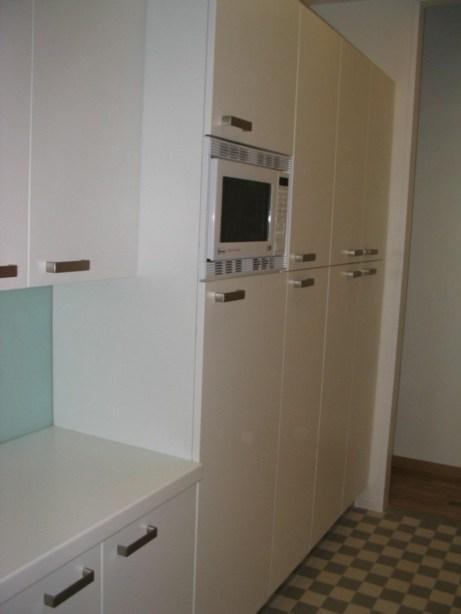 kleine aber elegante k che rehabitat innenbau. Black Bedroom Furniture Sets. Home Design Ideas