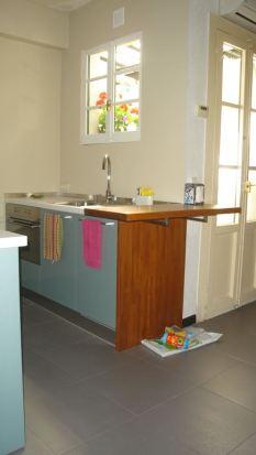 Lado del fregadero y mesa