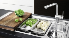 Accesorios Kohler para una cocina funcional