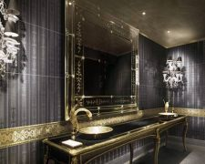 black_bathroom-litendelavmig